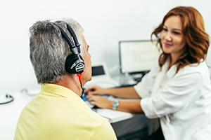 Looking for Hearing Aids? Visit an Audiologist